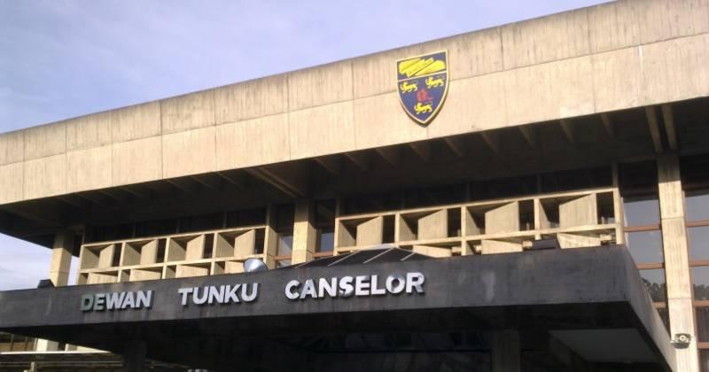 Dewan_Tunku_Canselor_Universiti_Malaya-800px