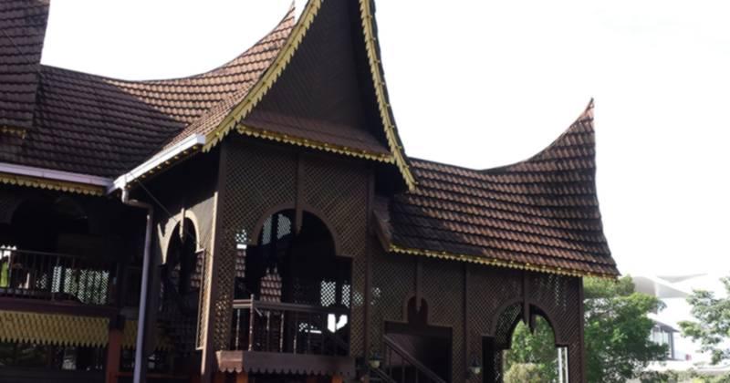 Muzium_Negeri_Sembilan-800px