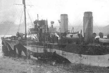 1917_HMS_Laburnum-bw-800px