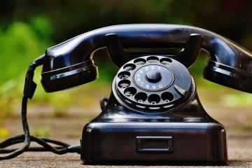 telefon_lama-800px
