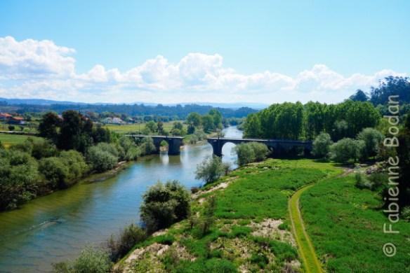 Chemin portugais pont brisé au dessus de la Vouga