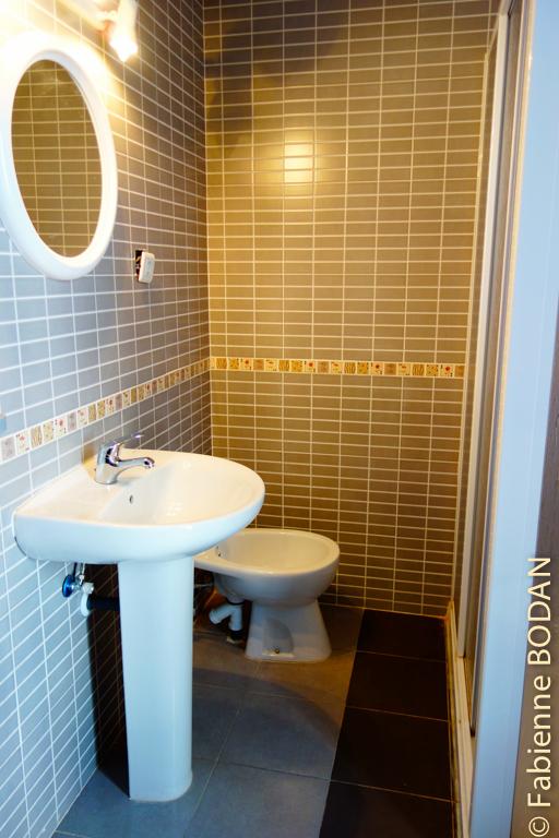 Les salles de bains sont avec WCs intégrés.© Fabienne Bodan