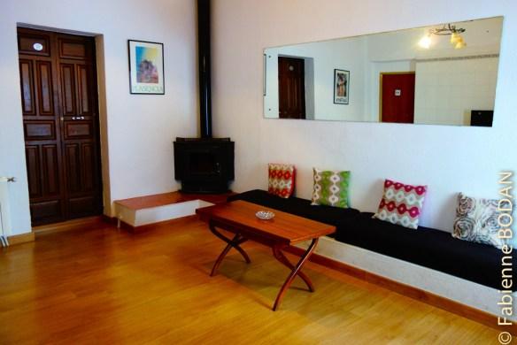 AU fond du couloir du premier étage, un salon avec cheminée où l'on peut prendre son petit déjeuner ou se reposer.© Fabienne Bodan