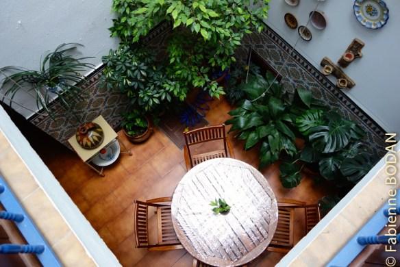 Le patio vu du premier étage. © Fabienne Bodan