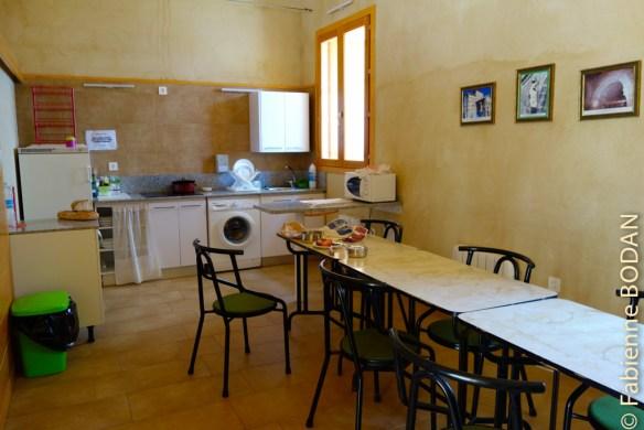 La cuisine est à l'image des autres pièces de l'auberge : récente et joliment aménagée...© Fabienne Bodan