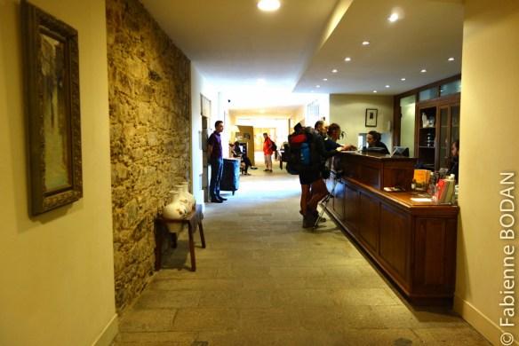La réception et le long couloir de l'entrée...© Fabienne Bodan
