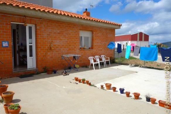 C'est une petite maison tenue par José Almeida, auteur de livres sur les chemins de Compostelle. © Fabienne Bodan