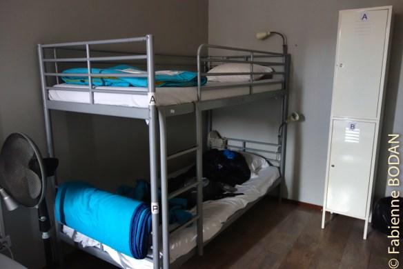 Lits superposés en chambres ou dortoirs de 2 à 6 lits, pour un très bon rapport qualité/prix. © Fabienne Bodan