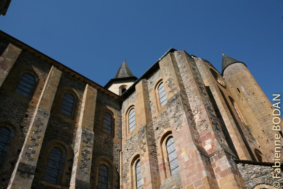 La majestueuse abbaye Sainte-Foy © Fabienne Bodan