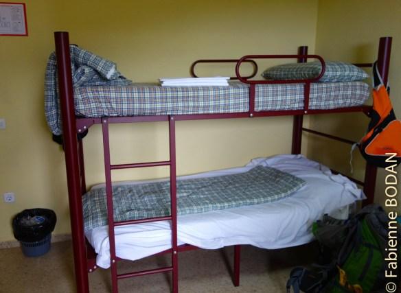 Lits superposés dans une chambre à 3 lits © Fabienne Bodan