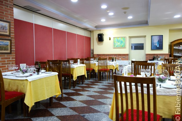 Salle de restaurant du Gran Chiscon, avec un excellent rapport qualité/prix pour les repas © Fabienne Bodan