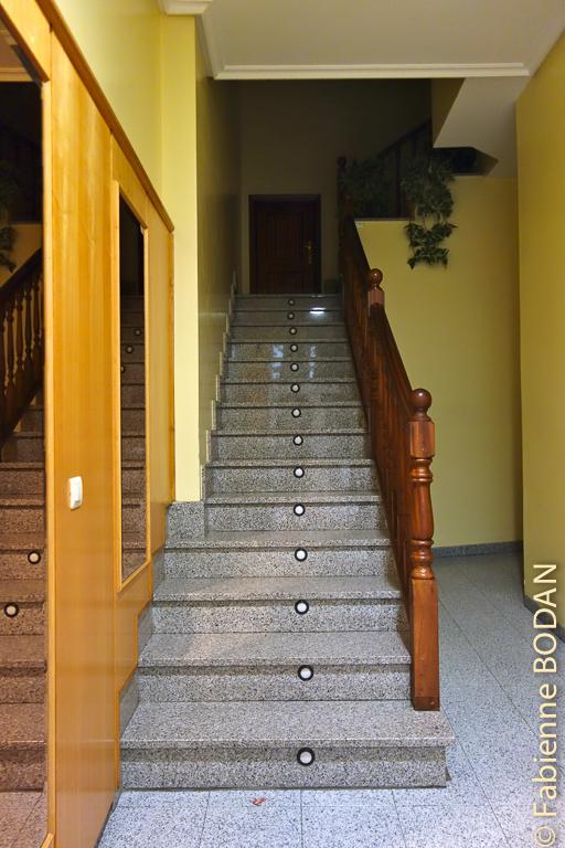 Pour rejoindre les chambres dans les étages © Fabienne Bodan