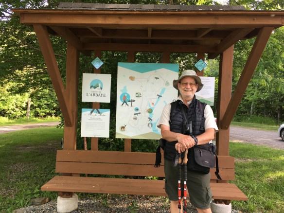 Michel O'Neill, auteur de « Entre Saint-Jacques-de-Compostelle et Sainte-Anne-de-Beaupré – La marche pèlerine québécoise depuis les années 1990 »