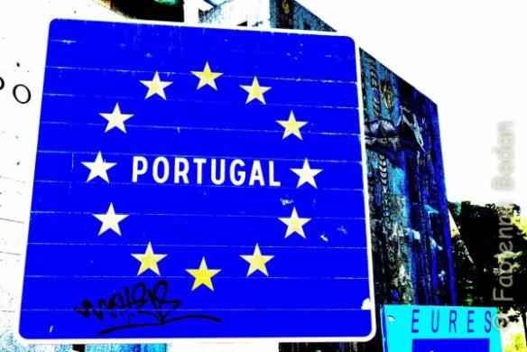 """Valença do Minho, à l'entrée du pont qui marque la frontière avec l'Espagne : """"au revoir, le Portugal"""". © Fabienne Bodan"""