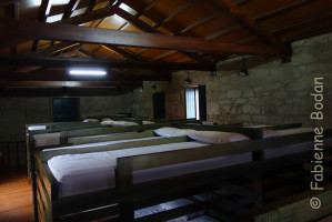 Les lits sont ainsi conçus que l'on a même l'impression d'avoir son petit coin à soi. © Fabienne Bodan