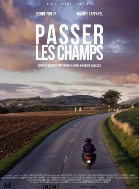 A Través De Los Campos - Passer Les Champs - CORTO - Francia - 2015