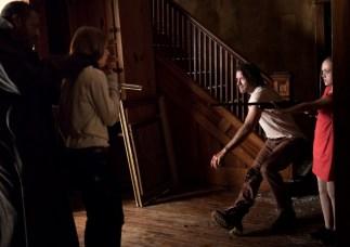 thomas jane and ella ballentine in STANDOFF