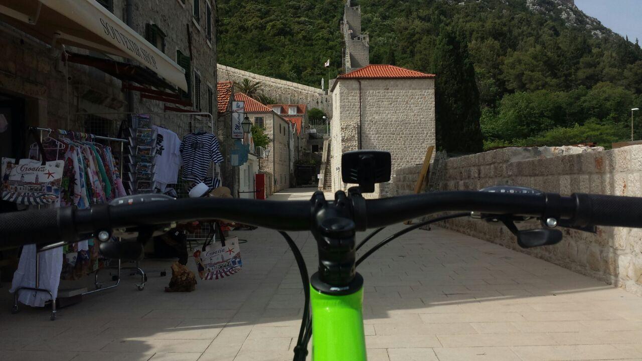 Bike tour Oysters tasting Peninsula Pelješac Croatia