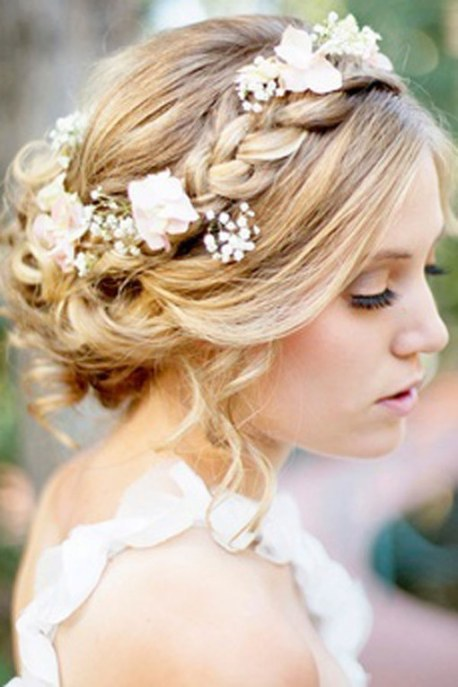 hairstyles-for-bridesmaids14-996906_h165142_l