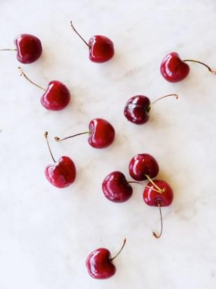 Cherry Crumble Ice Cream {Helado de Crumble de Cerezas}