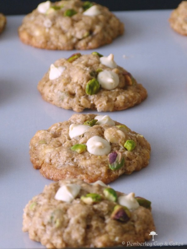 Galletas de avena con chocolate blanco y pistachos