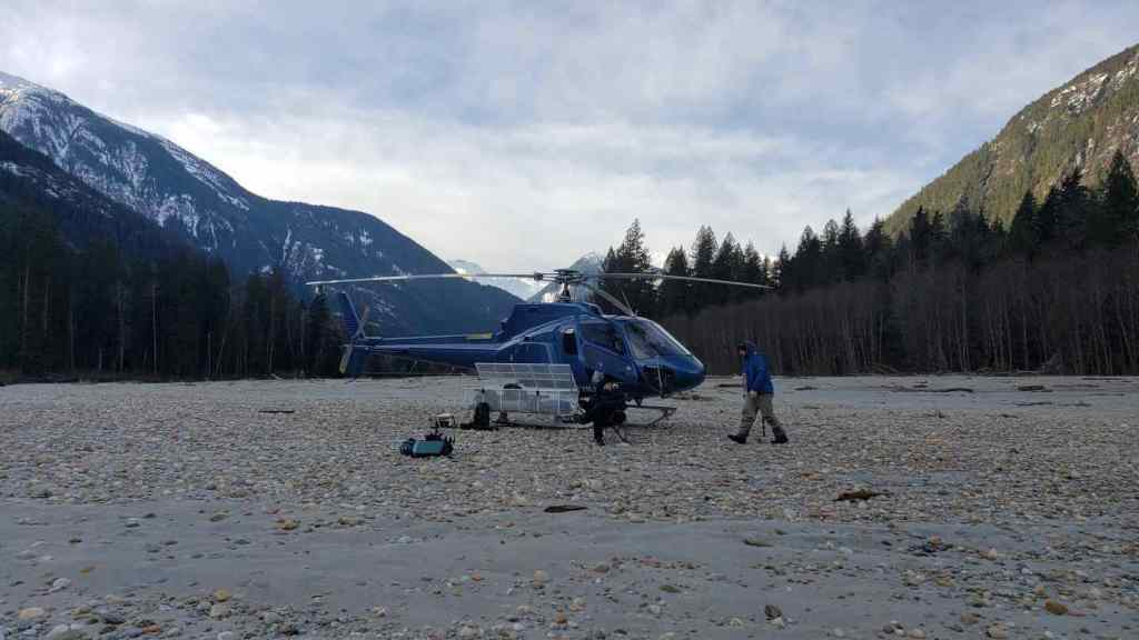 helicopter fishing Canada