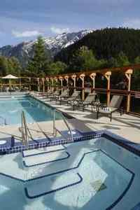 pemberton_valley_lodge_pool