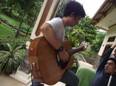 Gitaris Andalan Sadra