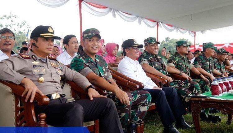 Gotong Royong Pemkot Tangerang dan TNI