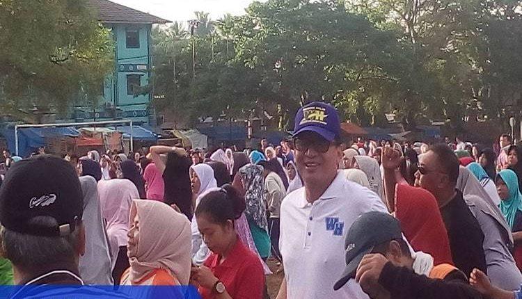 Wahidin Halim Senam Bersama warga menes
