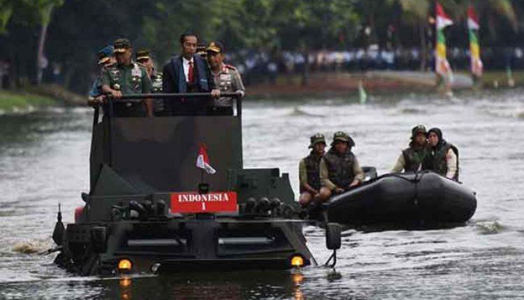 buatan pindad panser anoa amfibi TNI AD