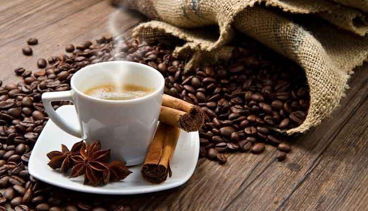 Minuman tradisional kopi rempah Indonesia