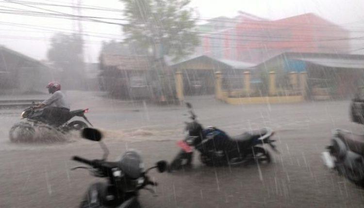 image curah hujan tinggi