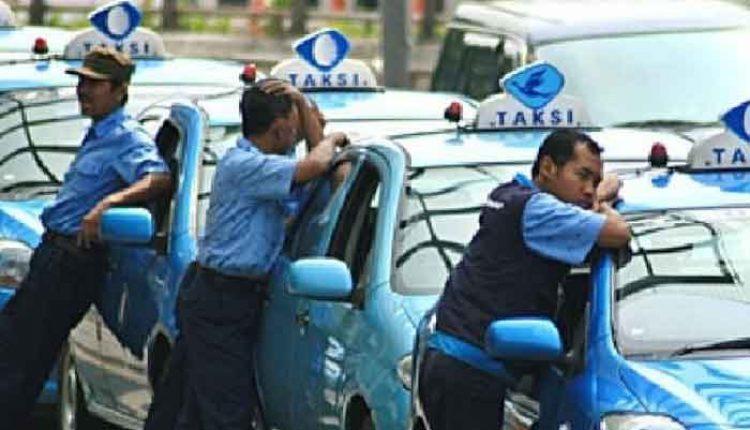 perusahaan taksi konvensional jadi online