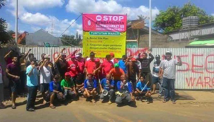 warga protes pembangunan gs supermarket