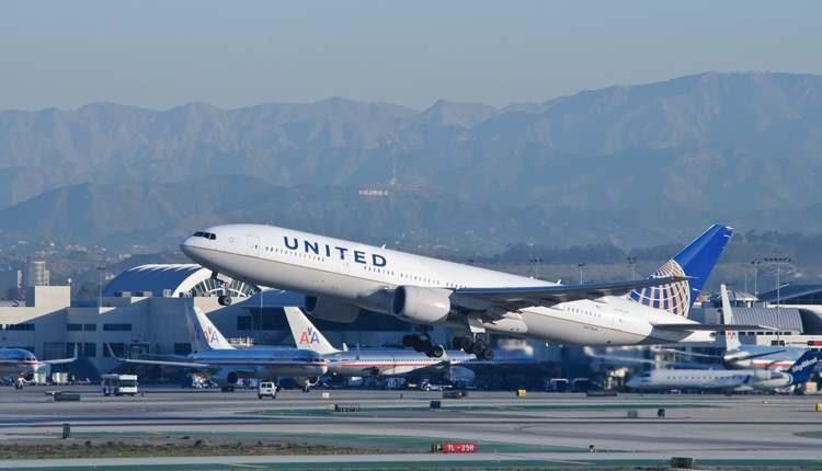 maskapai united airlines masalah