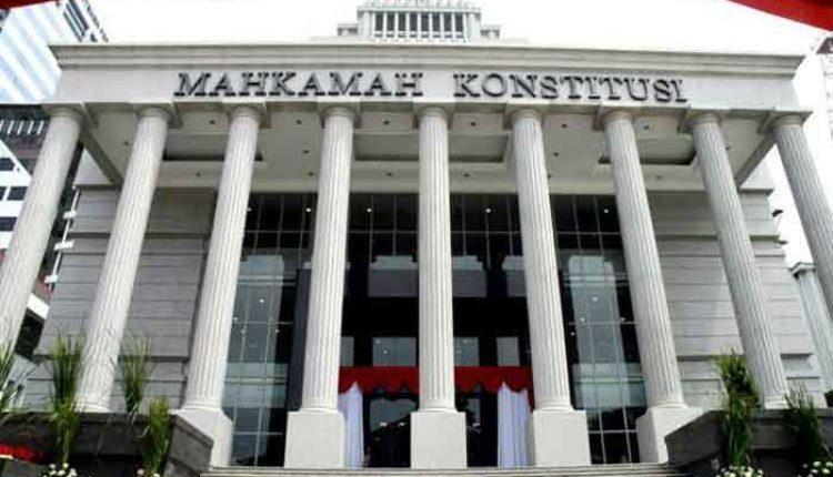 Gugatan KPU ke Mahkamah Konstitusi