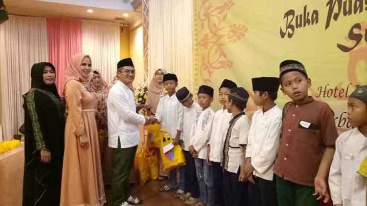 perkumpulan Srikandi-Banten santuni yatim dan duafa