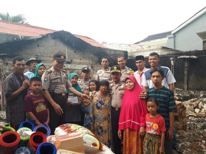 bantuan korban kebakaran warga