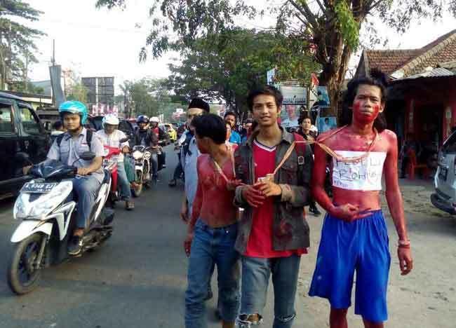 aksi mahasiswa peduli muslim rohingya