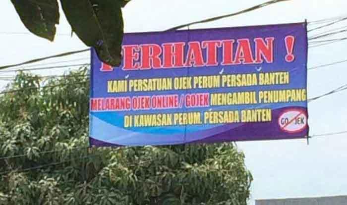 protes para pengemudi ojek pangkalan