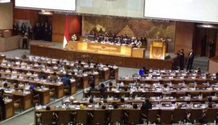 Setya Novanto Muncul di Rapat Paripurna DPR