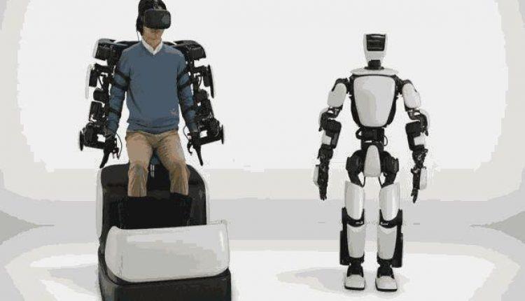Robot T-HR3 yang Dikendalikan Manusia