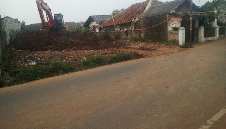 Pengurugan Lahan di Kelurahan Pabuaran Kota Tangerang