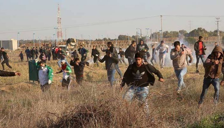 pemuda palestina bentrok
