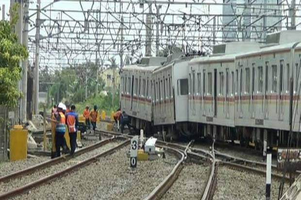 Commuter Line Bekasi Kota Anjlok Di Stasiun Kampung Bandan Sejumlah Perjalanan Dialihkan Rqu