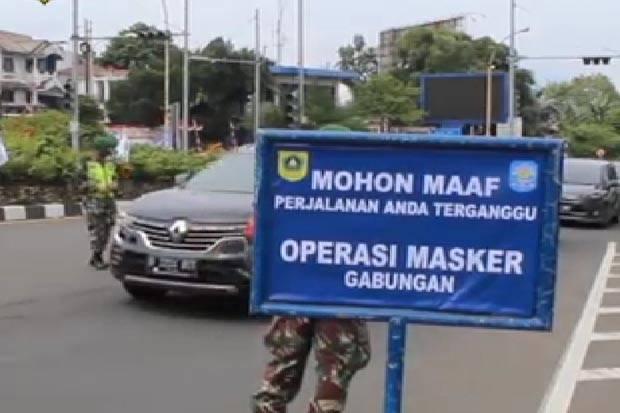 Razia Protokol Kesehatan Di Jalur Puncak Netizen Kok Petugas Pakai Masker Scuba Flo