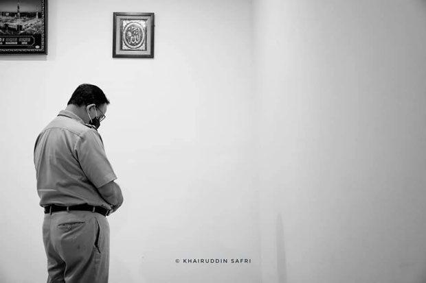 Beredar Foto Anies Baswedan Jadi Imam Salat Magrib Di Polda Warganet Doakan Jadi Presiden Obc