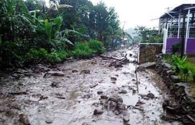 Banjir Bandang Di Gunung Mas Puncak Bogor 2 390x250