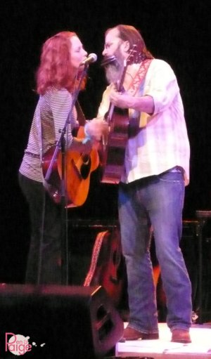 Steve Earle performs a duet with his wife, country singer Allison Moorer, during a performance Aug. 8 in Sheridan, Wyo.